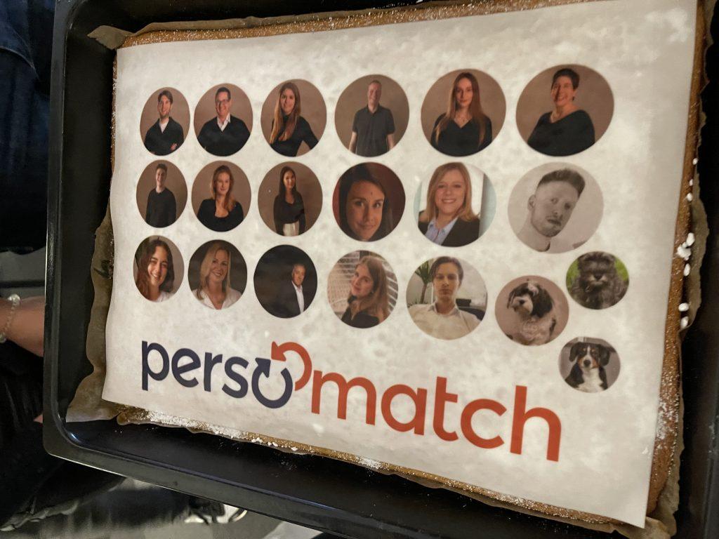 Der persomatch Kuchen: Jeder - auch unsere Bürohunde - bekam einen Platz auf ihm!